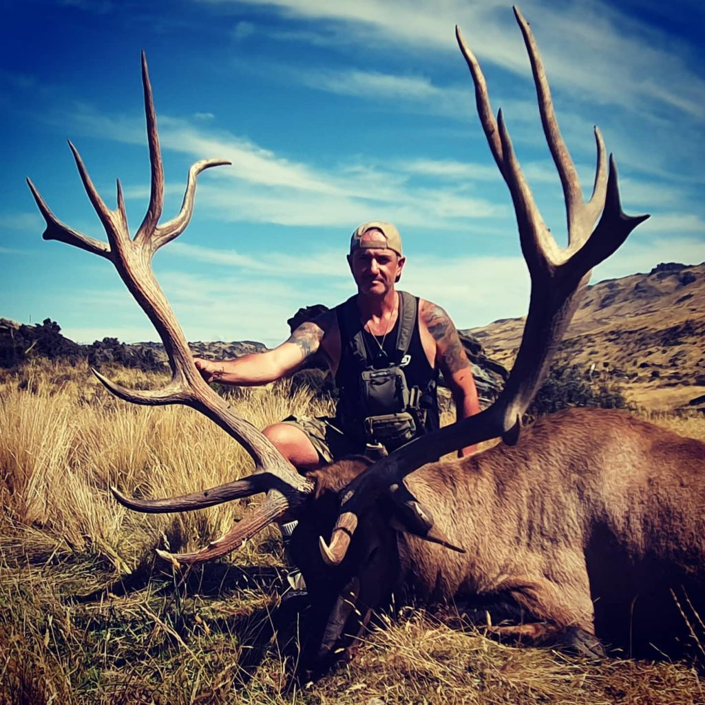 archery hunting New Zealand red stag fallow buck tahr chamois NZ guided hunts