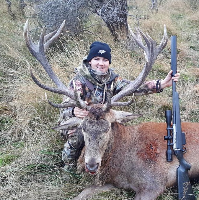red deer hunting guides south island new zealand nz